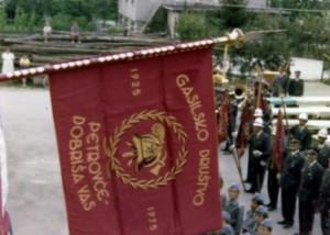 Prevzem prvega gasilskega prapora l. 1975